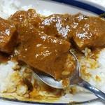 インディラ - 豚肉ゴロゴロ1