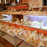 森屋 - 21時でもパンはいっぱいありました