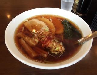 手打らーめん まるち - 醤油ラーメン650円+チャーシュー1枚50円