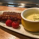 広島焼き どんき - つくね串のチーズフォンデュ