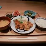 博多ふくいち - 鶏の唐揚げ定食(\1,000)
