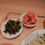 博多ふくいち - 明太子と高菜がデンと。