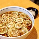 木挽町 湯津上屋 - 爽やかな香りが癖になりますね。 夏に食べたいお蕎麦です。