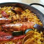 71350819 - しっとり甘味の濃い赤海老、アサリやイカの旨味に夏野菜もたっぷり