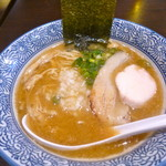 煮干し中華そば 麺屋 新星 - 濃厚煮干し鶏白湯そば※麺半分にしてもらいました