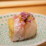 寿しの吉乃 - いさきと揚げ茄子、オリーブオイルの球体