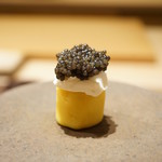 寿しの吉乃 - インカのめざめのマッシュポテト、マスカルポーネチーズ、キャビア