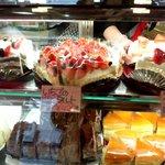 ホームメイドケーキ アンジェ - ショーケース