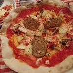 ラ・ヴィレッタ - ハンバーグ、ジャガイモ、キノコのトマトソース