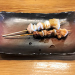 なかしま くしのすけ - ひざがしら串(198円)・せせり串(198円)