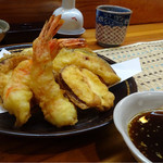 すし処みうら - 天ぷらの盛り合わせ。