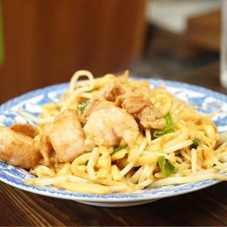 橋野食堂 - 料理写真:ホルモンうどん(普通)1玉 790円