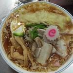 中華そば みたか - 料理写真:五目チャーシューワンタンメン850円+半熟卵50円です。