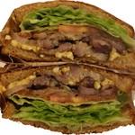 サントゥーダイナー - BLTEサンドイッチ