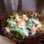 ノラリ&クラリ - シャキシャキ新鮮野菜たっぷりのサラダ(2017.8.12)