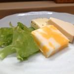 家庭料理 小川 - チーズ盛り合わせ