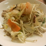 Kiyomiya - 野菜炒めはシャキシャキの野菜と海鮮が入りボリュームもあります