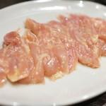 ホルモン酒場風土 - 鶏カルビ