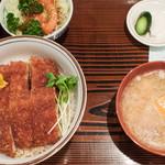 とんかつまつを - カツ丼:980円/2017年8月