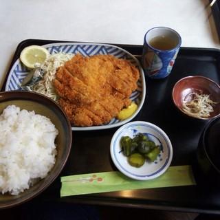 ドライブイン美濃路 - 料理写真:チキンカツ定食 1150円