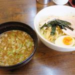 ラーメン信 - 料理写真:つけ麺(大盛り) つけ汁たっぷり 強めの味