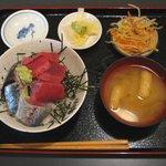 英香 - 「しめあじ・中おち丼」840円