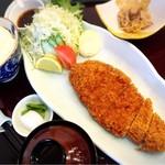和海味処 いっぷく - とんかつ御膳大盛り1100円の景色!