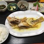 仲泊海産物料理店 - 中サイズ