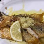 仲泊海産物料理店 - ニンニクは外せない