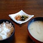 しらさぎ荘 - ご飯、味噌汁。