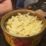 フジヤマドラゴン - ホットチーズツナ缶