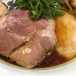 らぁ麺 すぎ本 - 豚鶏2種のチャーシュー