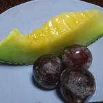 京亭 - 季節の果物