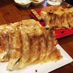 ヒトヨシロクメ堂 - 普通のやつとぼんじりのやつ。もうちょい味に変化が欲しい。