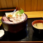魚料り かさはら - 料理写真:海鮮丼(上)1,500円