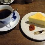 71410067 - 珈琲ふつうめ、チーズケーキ