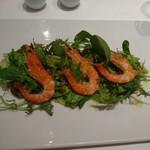 ラ・メール・プラール - (2017年8月 訪問)前菜:マリネした海老のサラダ。これは思ったよりも普通な印象。