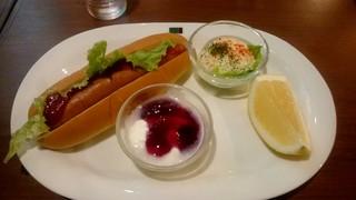 ミカド珈琲店 日本橋本店 - ホットドッグセット:550円