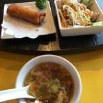 あたか飯店 - 豚ロース湯引き特製ソース、春巻き、スープ