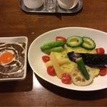 インディ桂木 - 夏野菜と牛スジカリー(辛口)