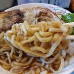 らーめん 鯉次 - 極盛鯉次らーめんの麺