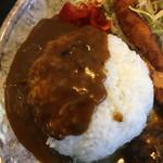 焼肉・音琴 - カレーがかかったご飯です