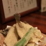 手打ち蕎麦切り 海望 - キスの天ぷら
