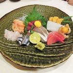 菜々海 - 刺し身盛り合わせ