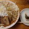 七輪鶏焼 近江屋 - 料理写真:『近江二郎』(税込み880円)おにぎりはランチタイムにつき無料サービス