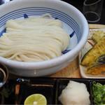 はがくれ - 生醤油うどん 天ぷらトッピング
