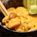 札幌市場めし まるさん亭 - うに丼(時価)