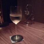 THE LUX BAR - ワイン〜♪