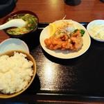 王子西安鍋貼館 - 唐揚げどーん!
