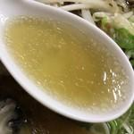 71432252 - 【2017年06月】カキラーメン(魚醤:こってり)のスープアップ。